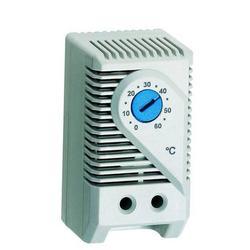 "RAX-CH-X01-X9 termostat <p><span style=""color: #1a1a1a; font-family: Arial, sans-serif; font-size: 12px;"">Termostat s nastavitelnou sp&iacute;nac&iacute; teplotou 0 až 60&deg;C</span></p>"